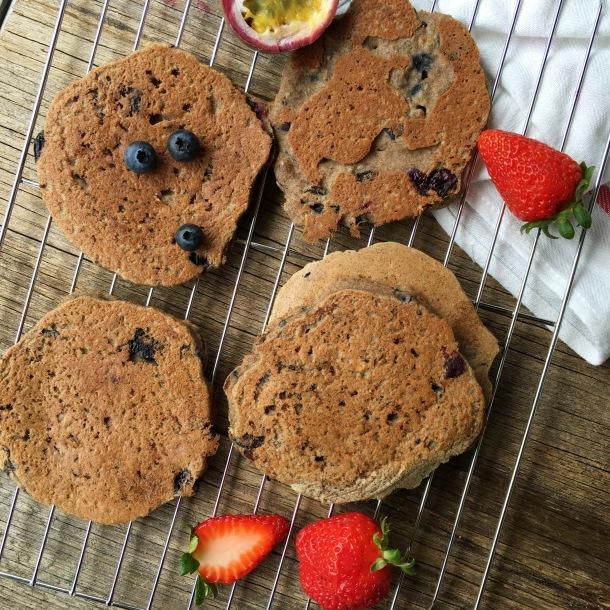 Low-FODMAP-Vegan-Blueberry-Pancakes-Plain