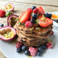 Low-FODMAP-Vegan-Blueberry-Pancakes